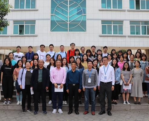 河南大学新闻与传播学院一行来到天一文化参观交流